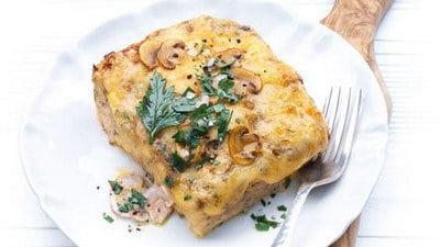Lasagne met kip, groenten en paddenstoelen