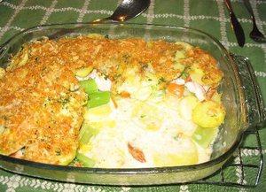 Aardappelgratin met gerookte kip en bleekselderij