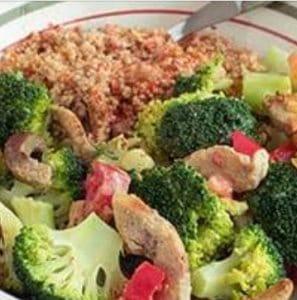 Broccolischotel met couscous