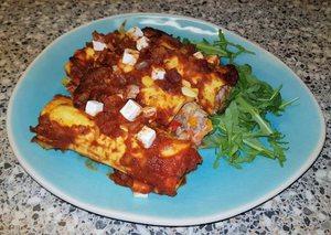Cannelloni gevuld met tonijn, kruidenkaas en paprika