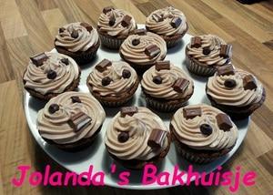 Chocolade cupcakes met kinderchocolade