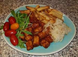Duitse curry met kruidenzuurkool en oma's smulfrieten uit de airfryer