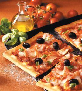 Kleurrijke familie pizza