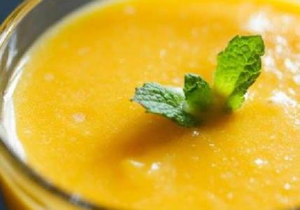 Mango-lassi smoothie