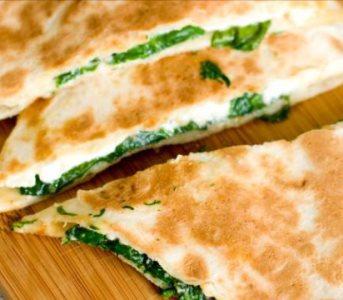 Spinazie feta quesadillas