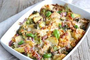 Aardappel broccolistoofpot met kabeljauw