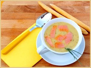 Velluta di zucchine con salmone