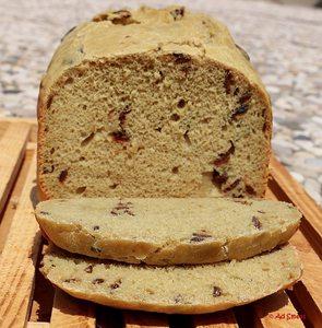 olijvenbrood uit de broodbakmachine