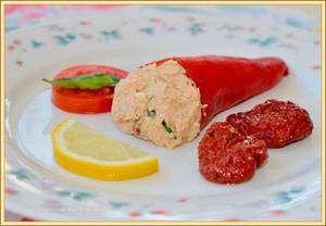 paprika gevuld met tonijnsalade