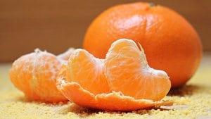 Gebakken mandarijnpartjes met ijs